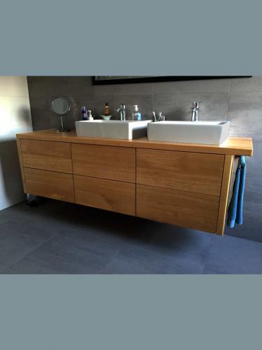 residentieel badkamermeubel / Dennis Janssen schilderwerken Rosmalen