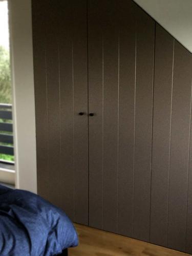 residentieel inbouwkast slaapkamer / Dennis Janssen schilderwerken Rosmalen
